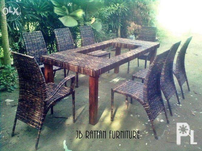Dining set made with steel and abaca weaving