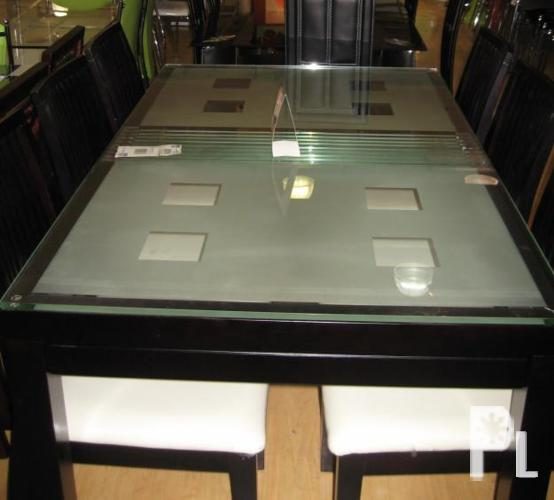 Eleagan 6 Seater Tempered Glass Dining Table Set Slightly Used Big Discount