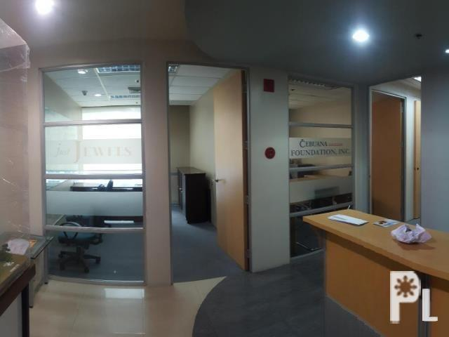 Fitted office for rent along Gil Puyat Ave.