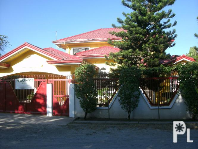 For sale very nice house in mabalacat city pampanga 7m for Very big houses for sale