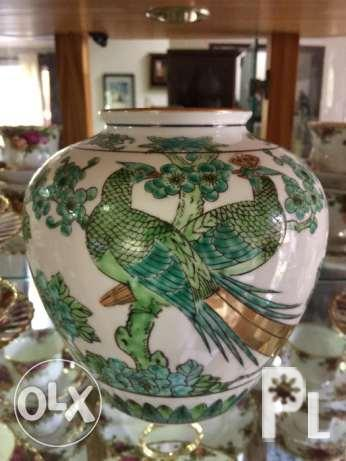 Gold Imari Hand Painted Peacock Vase 7 For Sale In Liloan Central