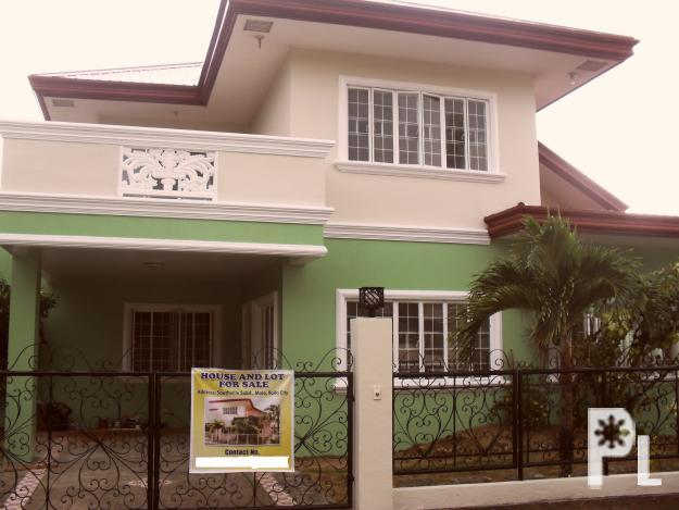 Iloilo House and Lot in Southville, Molo, very