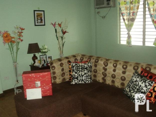 L shape brown sofa couch with 4 throw pillows dumaguete for Hotel pillows for sale philippines