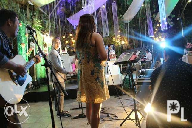 live acoustic band with lights and sound system for Sale in Manila
