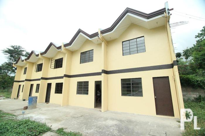 Low cost housing anita subdivision in minglanilla cebu for Big houses for low prices