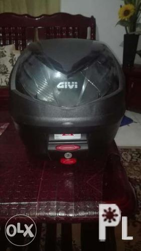Original givi box set for mio soul