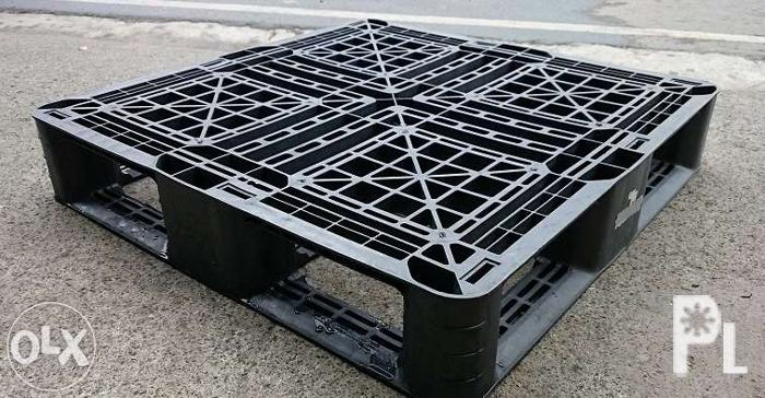 Plastic Pallets Used 29x29 Inch
