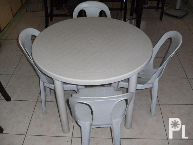Plastic Round Table 4 Chairs Dumaguete City