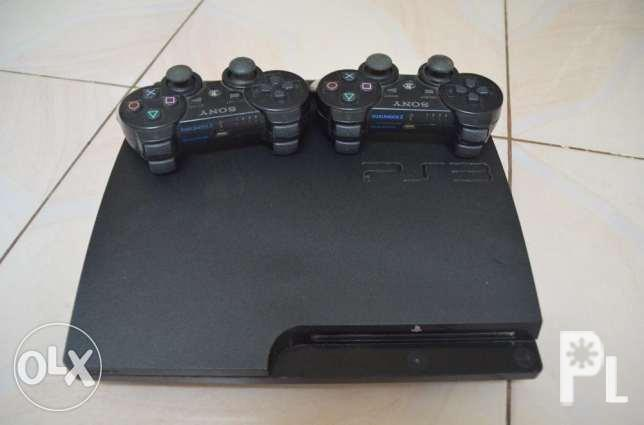 Playstation 3 2 controllers and 9 Games