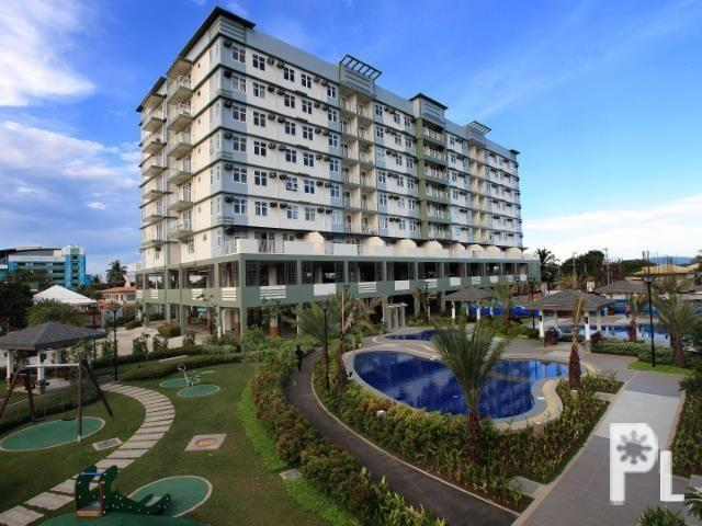 Pre selling (4 bedrooms) condominium right in the heart