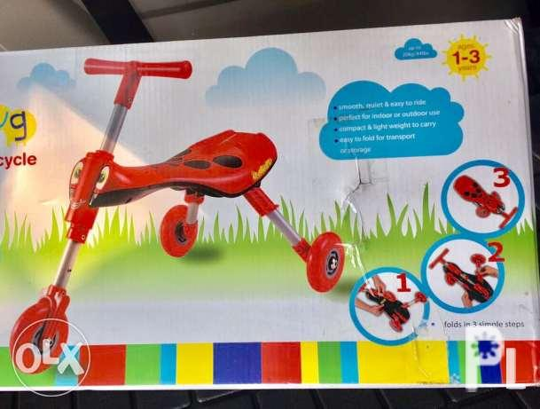 quickssmart scuttle bug folding tricycle for 1-3 years