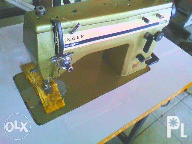 Singer 20u zigzagger Sewing Machine All accesories are
