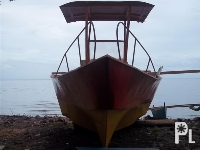 Speed boat 18 feet centerconsole with engine ?