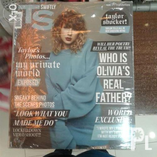 Taylor swift reputation magazine with cd inside