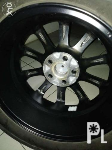 Toyota mags 5 holes