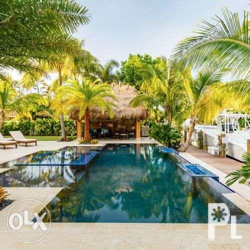 tropical builder swimming pool contractor construction
