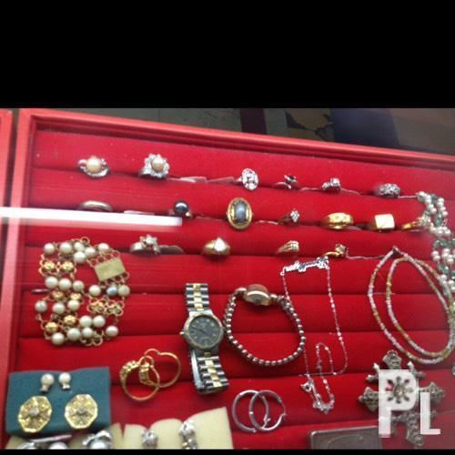 We buy all kinds of jewelry gold scrap gold watches for Capital pawn gold jewelry buyers tampa fl