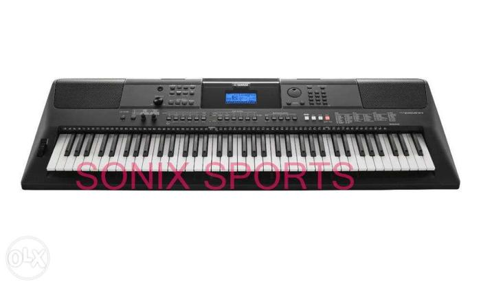 Yamaha PSREW400 76Key Portable Keyboard with Power