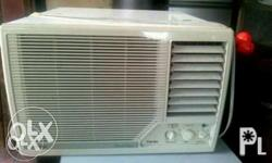 For Sale 1st owned Window type Air-con AIRCON Brand: CARRIER - PREMIER EDITION 1.5 hp Model: APMRT120BA Specs: - Volts: 208/230 Phase: Single Hertz: 60 - Amps: 5.82 Watts: 1318 EER: 10.0 R-22(Oz.): 20.5 Operating WT(kg): 50.5 **Very good condition and