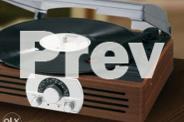 Classic Vintage Wooden Turntable with Am Fm Radio