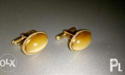 Up for sale is a 14K Yellow Gold Cat's Eye Cufflink