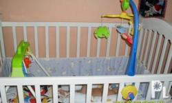 white wooden crib,in good condition,slightly used, 55 x