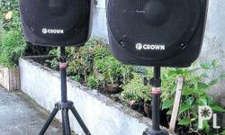 2pcs Powered speakers 600 watts With 2 trident stands