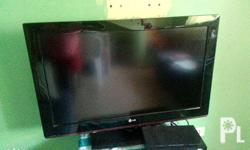 Slightly used 32 inxh LG TV with very clear reception,