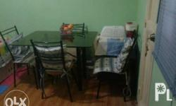 4-seater dining table In good condition Almost new For