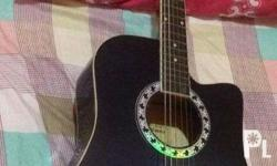 Acoustic Guitar No issue, 100% working well Price: