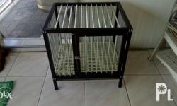 Aluminum dog cage for sale; Size; 20x25x26 inches Gud