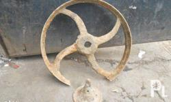 antique cartwheel cast iron ganda sa garden pang accent