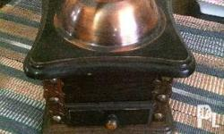selling this beautiful antique coffee grinder in very