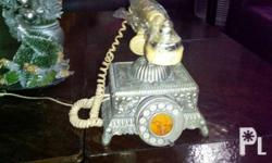 Antique phone Good working condition Call or txt fpr