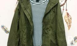 Army green parka. No brand. Never used. No flaws. Fits