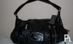 AUTHENTIC BNWT GUESS BAG (MAUREEN IN BLACK COLOR)