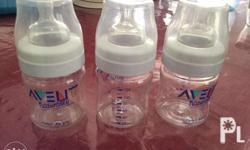 Avent Natural bottles in very good condition. Newly