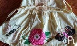 Baby girl dress (0-6 months) Used but not abused good