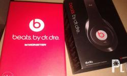 beats studio by dr dre and monster.. Noise canceling