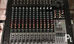 Behringer xenyx x2442 usb 16 channels Mic preamps: 10