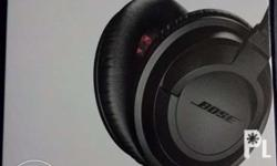 4 month old bose headphones. Very good condition.