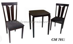 CM 7013 Dining Set 2-seater �5,800.00 Table