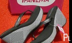Brandnew IPanema wedge for women's With tags & Boxs