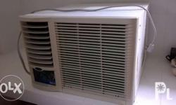 Used window-type 1 HP aircon CARRIER AGNRT Watts. 9,500