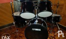 Slightly used very good condition Included: Hi-hat