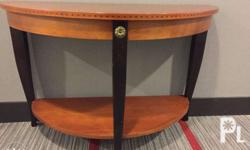 Medallion Console Table by Ethan Allen � Made in USA