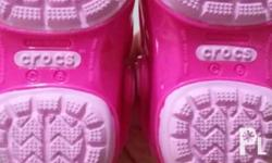 Brand New Crocs Size C6 Never used...new item. Txt me