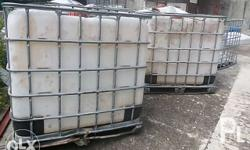Assorted damaged IBC, square, 1000 liters tank. Damaged