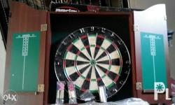 Brandnew Dartboard Set with Cabinet not used even once