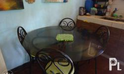 glass dining table 5 chairs 2nd hand may mga slightly